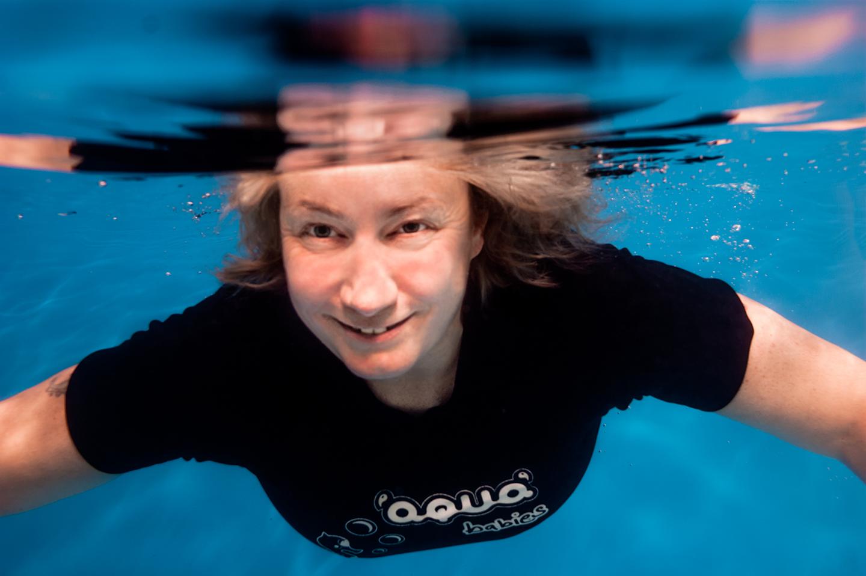 helen-underwater